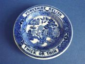 Small Yorkshire Relish Willow Pattern Advertising Plate c1840
